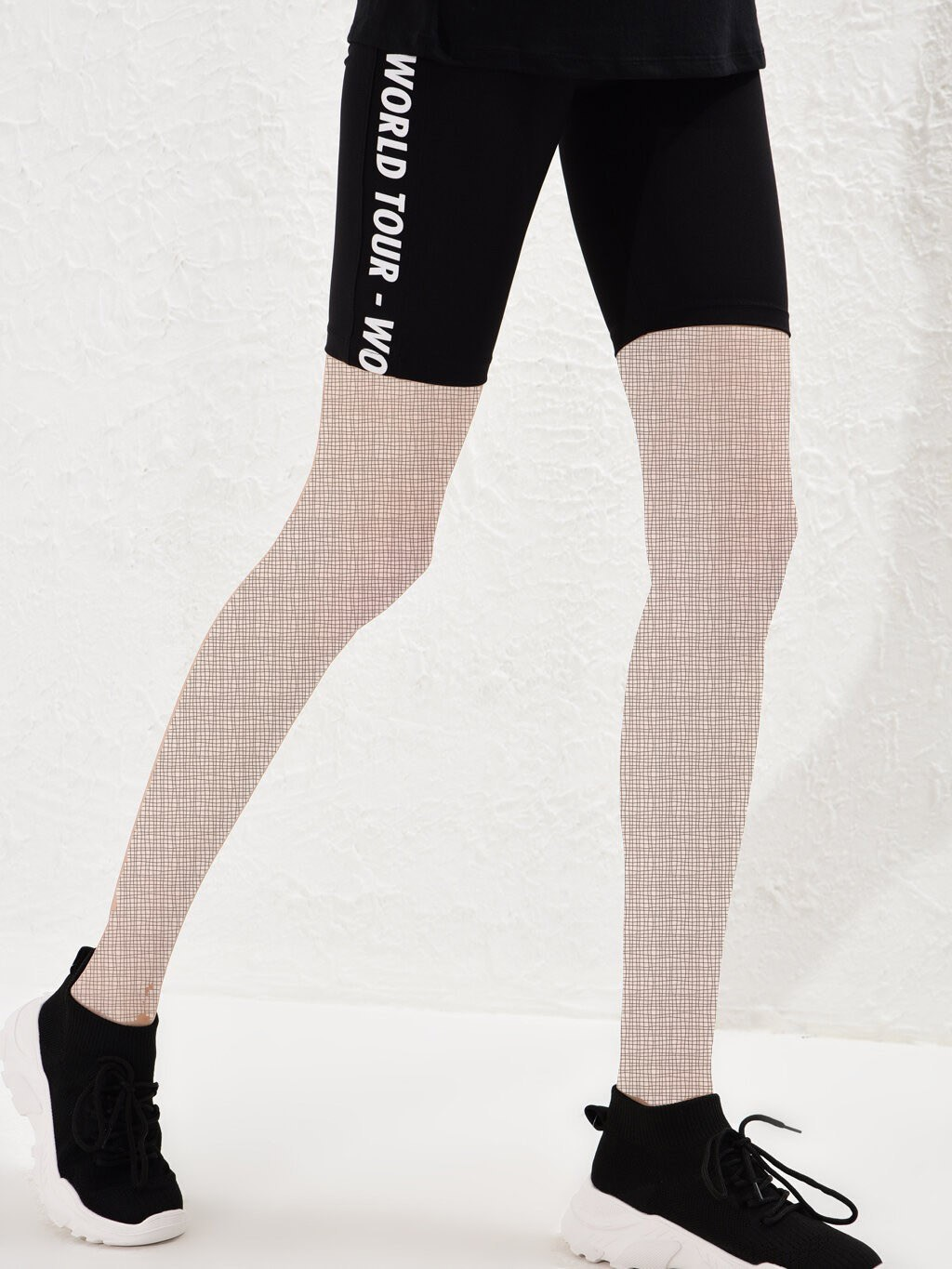 image number  2 products  LC women's support and leg, short patterned black
