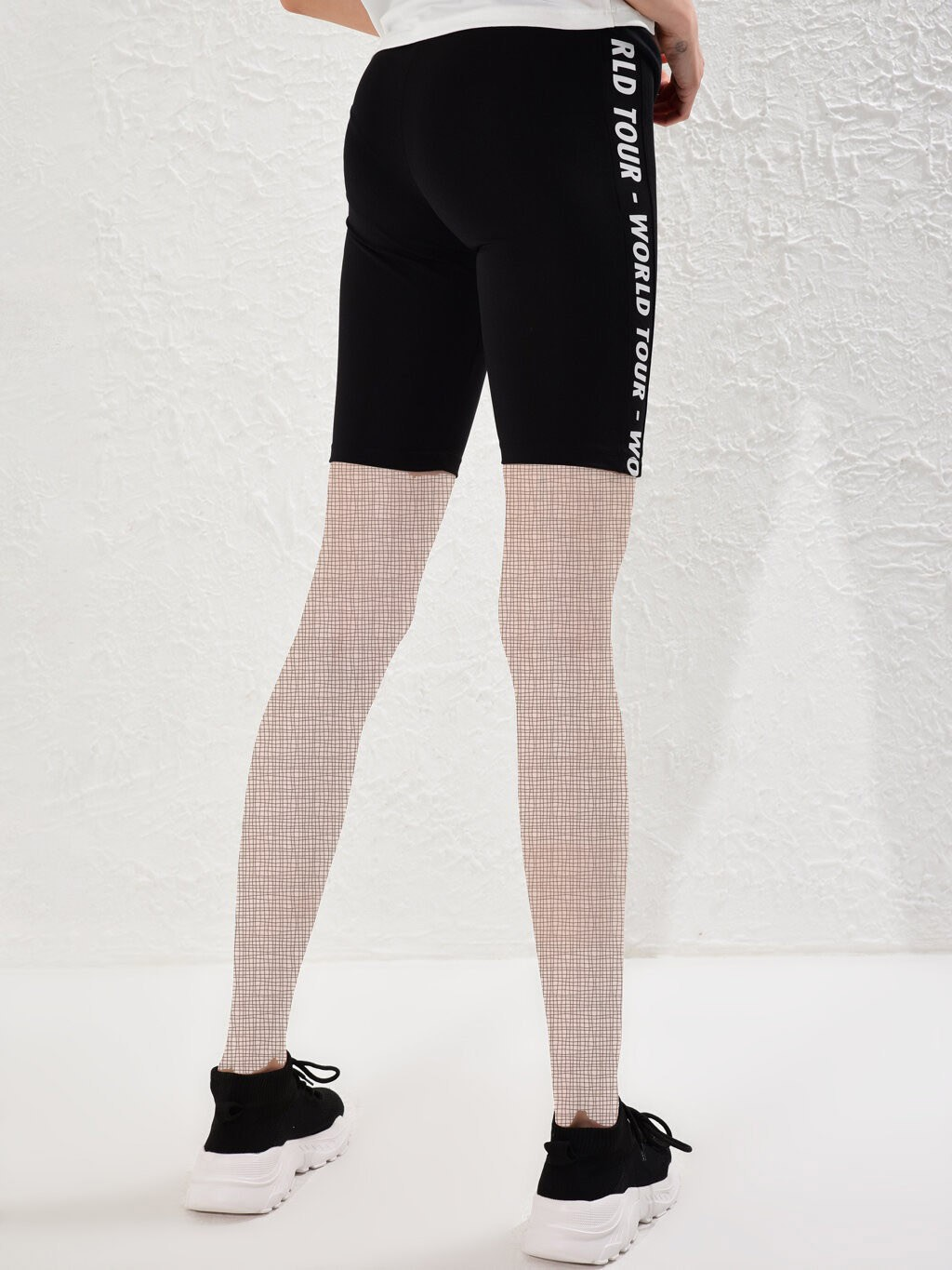 image number  1 products  LC women's support and leg, short patterned black