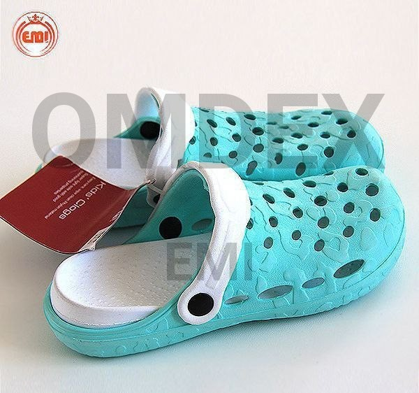 image number  3 products  Lupilo baby sandals made of Philon 