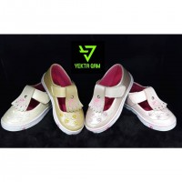 Wholesale buying Baby shoes Supplier:                                                                                                            yektagam