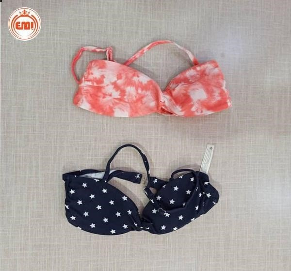 image number  1 products  Children's swimsuit (shorts and upper body) as a single brand (Kiabi)