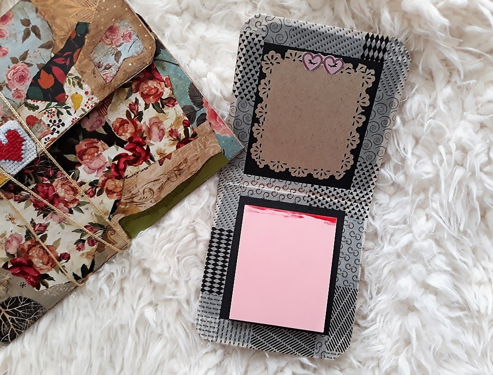 image number  4 products  Notepad with notepad