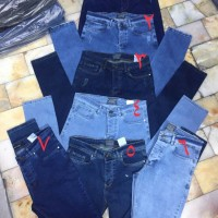 Wholesale buying Men's Cotton Jeans Large Size in Color Supplier:                                                                                                            Jean iran javan