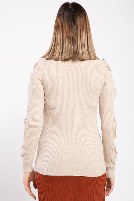 image number  4 products  Women's knitwear, cream color, has 9 different colors