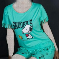 Wholesale buying Snoopy T-shirt and shorts Supplier:                                                                                                            StarWear